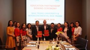 Cooperation between the Nha Trang Intercontinental hotel and Nha Trang University in training program about practical experiences and vocational guidance for students